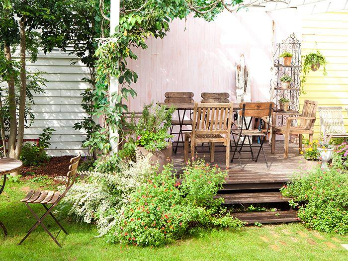 ウッドデッキが有る庭